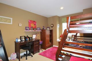 """Photo 13: 11735 GILLAND Loop in Maple Ridge: Cottonwood MR House for sale in """"RICHMOND HILL"""" : MLS®# R2027944"""