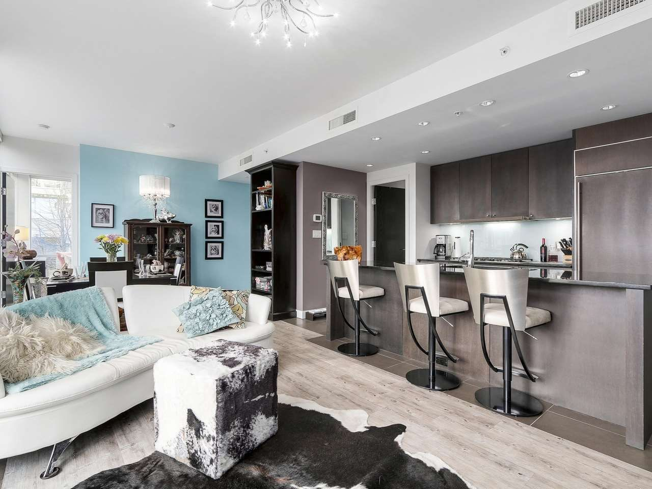Photo 5: Photos: 401 1455 HOWE STREET in Vancouver: Yaletown Condo for sale (Vancouver West)  : MLS®# R2145939