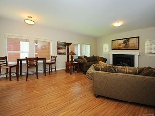 Photo 2: 3392 Merlin Rd in Langford: La Luxton House for sale : MLS®# 616100