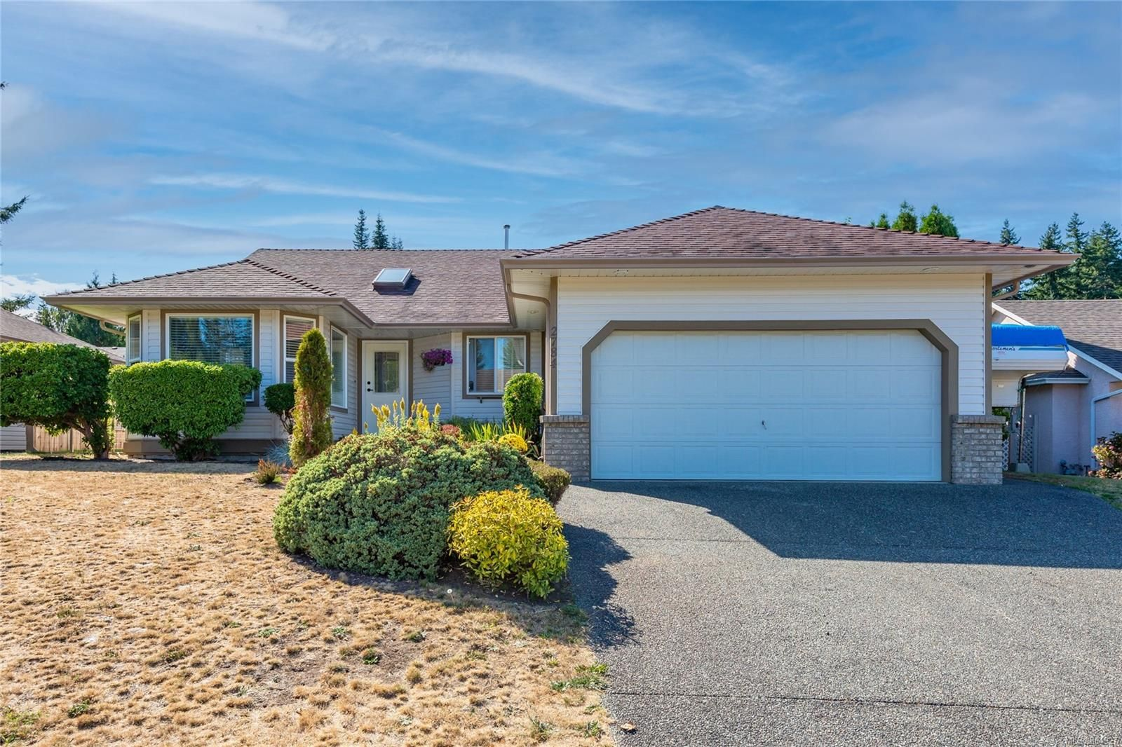 Main Photo: 2784 Bradford Dr in : CR Willow Point House for sale (Campbell River)  : MLS®# 884927