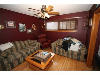 Photo 11: 4036 CHATHAM Place NW in CALGARY: Charleswood Residential Detached Single Family for sale (Calgary)  : MLS®# C3630774