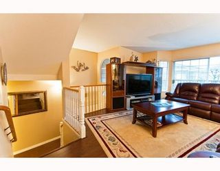 """Photo 7: 35 22488 116TH Avenue in Maple Ridge: East Central Townhouse for sale in """"RICHMOND HILL"""" : MLS®# V801990"""