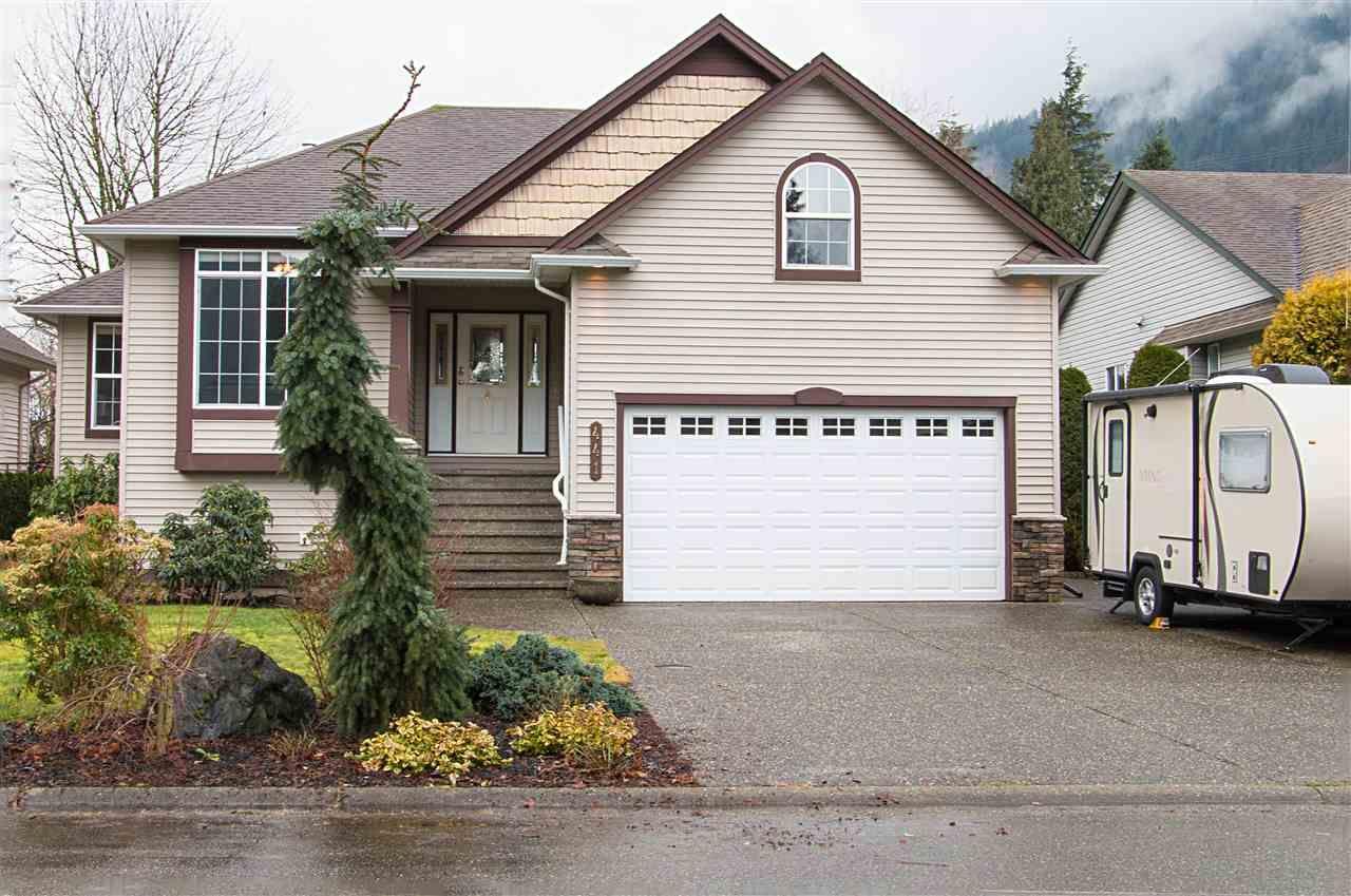 Main Photo: 441 NAISMITH Avenue: Harrison Hot Springs House for sale : MLS®# R2031703