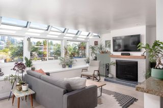 """Main Photo: A4 1100 W 6TH Avenue in Vancouver: Fairview VW Townhouse for sale in """"FAIRVIEW PLACE"""" (Vancouver West)  : MLS®# R2601463"""