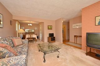 Photo 7: 27 Braden Crescent NW in Calgary: Brentwood House for sale : MLS®# C4191763