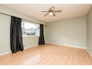 Photo 3: 2052 VINEWOOD Street in Abbotsford: Central Abbotsford House for sale : MLS®# R2129991