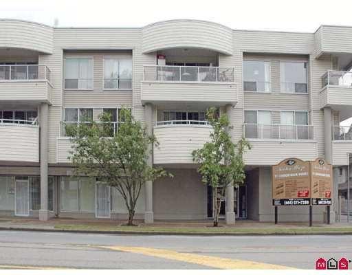 """Main Photo: 303 13771 72A Avenue in Surrey: East Newton Condo for sale in """"Newton Plaza"""" : MLS®# F2718747"""