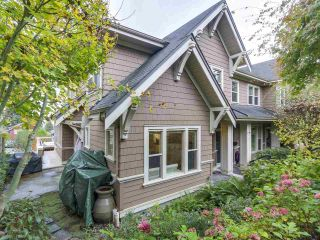 "Photo 7: 229 E QUEENS Road in North Vancouver: Upper Lonsdale Townhouse for sale in ""QUEENS COURT"" : MLS®# R2362718"