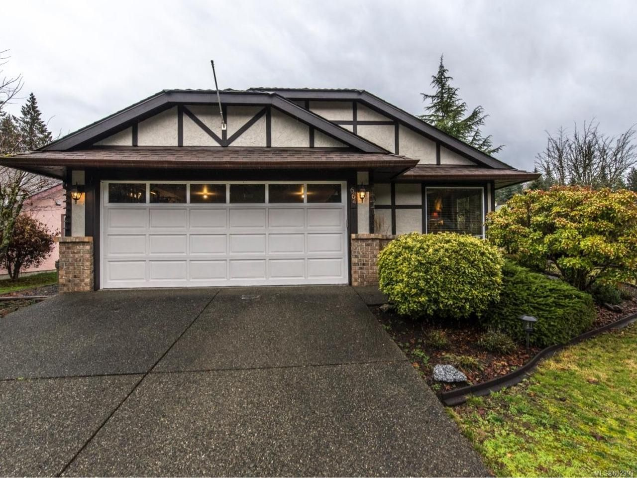 Main Photo: 664 Pine Ridge Dr in COBBLE HILL: ML Cobble Hill House for sale (Malahat & Area)  : MLS®# 802999