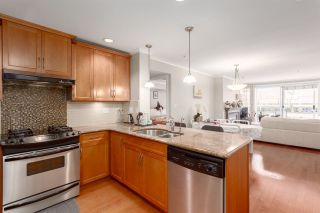 """Photo 4: 206 2103 W 45TH Avenue in Vancouver: Kerrisdale Condo for sale in """"The Legend"""" (Vancouver West)  : MLS®# R2245216"""