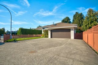Photo 38: 19383 CUSICK Crescent in Pitt Meadows: Mid Meadows House for sale : MLS®# R2617633