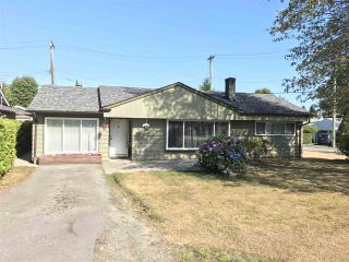 "Photo 1: 1326 COTTONWOOD Crescent in North Vancouver: Norgate House for sale in ""Norgate"" : MLS®# R2199125"