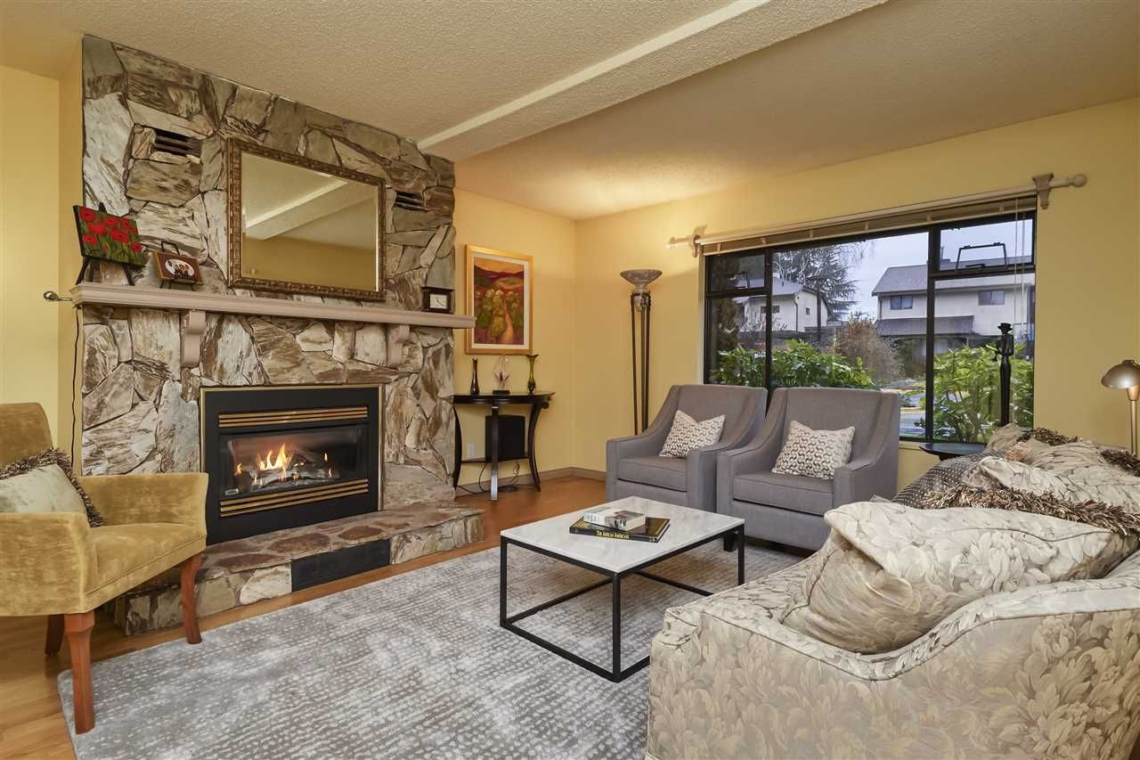 Photo 4: Photos: 7360 TOBA PLACE in Vancouver: Champlain Heights Townhouse for sale (Vancouver East)  : MLS®# R2430087