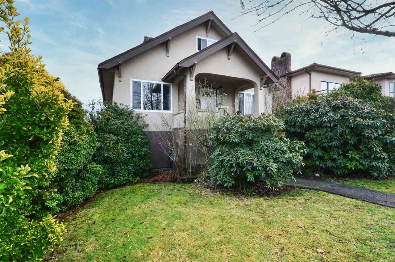 Main Photo: 2896 E GEORGIA STREET in Vancouver: Renfrew VE House for sale (Vancouver East)  : MLS®# R2527684