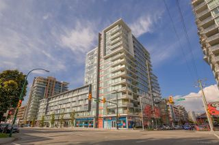 """Photo 1: 611 1783 MANITOBA Street in Vancouver: False Creek Condo for sale in """"The Residences at West"""" (Vancouver West)  : MLS®# R2155834"""