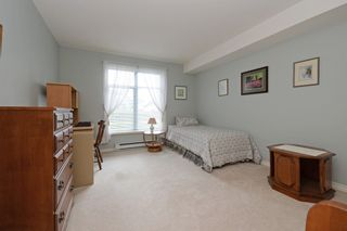 """Photo 16: 110 1140 STRATHAVEN Drive in North Vancouver: Northlands Condo for sale in """"Strathaven"""" : MLS®# R2178970"""