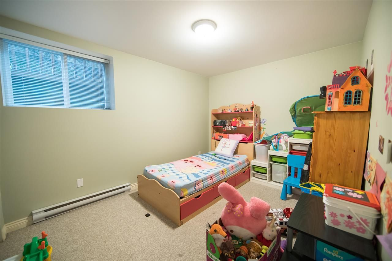 Photo 15: Photos: 2403 DAWES HILL Road in Coquitlam: Coquitlam East House for sale : MLS®# R2197337