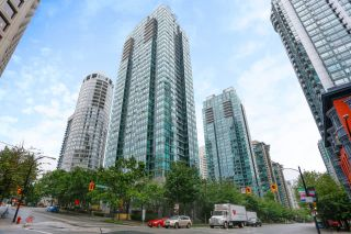 """Photo 1: 2505 1200 W GEORGIA Street in Vancouver: West End VW Condo for sale in """"Residence on Georgia"""" (Vancouver West)  : MLS®# R2613256"""