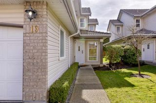 "Main Photo: 19 758 RIVERSIDE Drive in Port Coquitlam: Riverwood Townhouse for sale in ""RIVERLANE ESTATES"" : MLS®# R2566213"