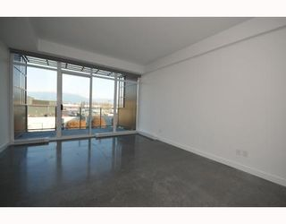 """Photo 5: 418 256 E 2ND Avenue in Vancouver: Mount Pleasant VE Condo for sale in """"JACOBSEN"""" (Vancouver East)  : MLS®# V808511"""