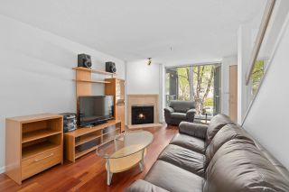 """Photo 6: 930 W 14TH Avenue in Vancouver: Fairview VW Townhouse for sale in """"Fairview Court"""" (Vancouver West)  : MLS®# R2574639"""