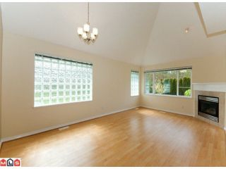 "Photo 2: 67 13918 58TH Avenue in Surrey: Panorama Ridge Townhouse for sale in ""ALDER PARK"" : MLS®# F1009963"