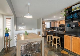 Photo 8: 72 Riverbirch Crescent SE in Calgary: Riverbend Detached for sale : MLS®# A1094288