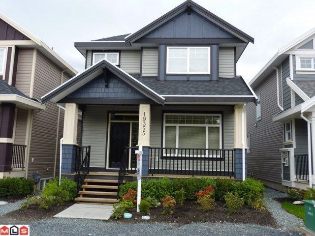 Main Photo: 19355 72ND Avenue in Surrey: Clayton House for sale (Cloverdale)  : MLS®# F1112188