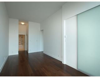 """Photo 6: 102 4375 W 10TH Avenue in Vancouver: Point Grey Condo for sale in """"VARSITY"""" (Vancouver West)  : MLS®# V748079"""