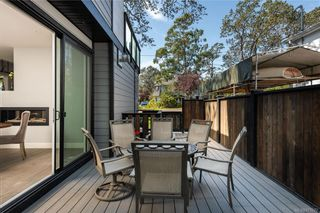 Photo 35: 909 Bank St in : Vi Fairfield East House for sale (Victoria)  : MLS®# 871077
