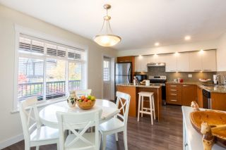"""Photo 7: 23 19448 68 Avenue in Surrey: Clayton Townhouse for sale in """"NUOVO"""" (Cloverdale)  : MLS®# R2413880"""