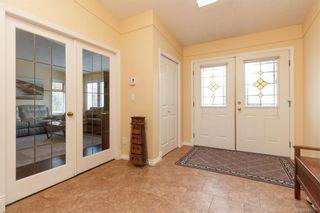 Photo 2: 828 Royal Wood Pl in Saanich: SE Broadmead House for sale (Saanich East)  : MLS®# 841703