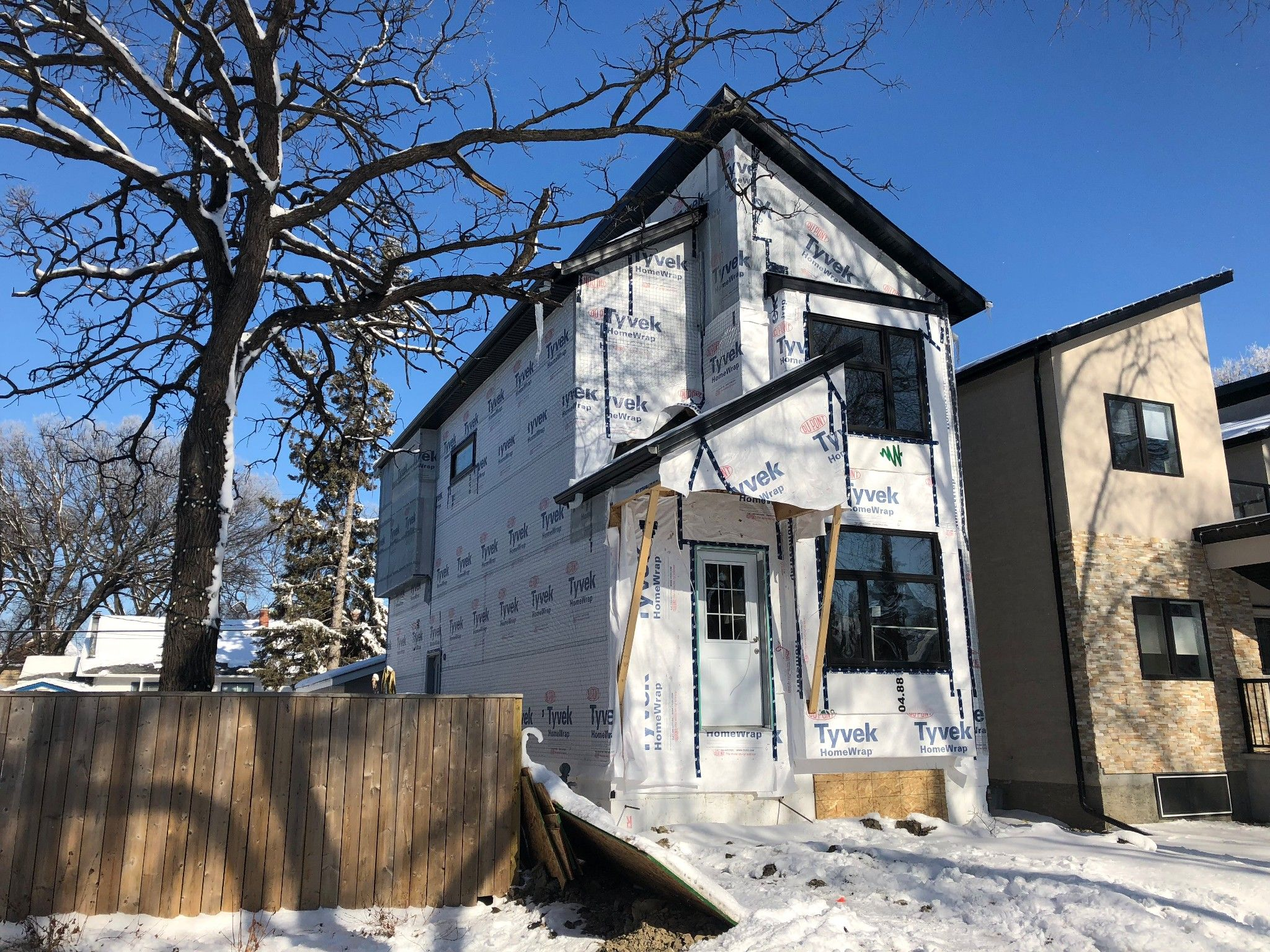 Main Photo: 755 Garwood Avenue in Winnipeg: Crescentwood Single Family Detached for sale (1B)  : MLS®# 1811833