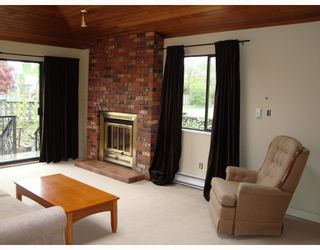 Photo 5: 2403 W 19TH Avenue in Vancouver: Arbutus House for sale (Vancouver West)  : MLS®# V708396
