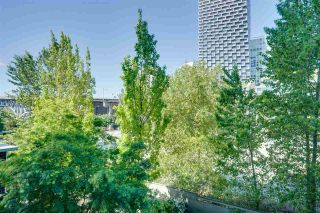 """Photo 7: 305 550 PACIFIC Street in Vancouver: Yaletown Condo for sale in """"AQUA AT THE PARK"""" (Vancouver West)  : MLS®# R2580655"""