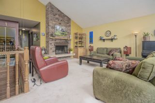 Photo 3: 2557 PEREGRINE PLACE in Coquitlam: Upper Eagle Ridge House for sale : MLS®# R2467956