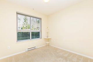 """Photo 11: 207 3082 DAYANEE SPRINGS BOULEVARD Boulevard in Coquitlam: Westwood Plateau Condo for sale in """"The Lanterns"""" : MLS®# R2443838"""