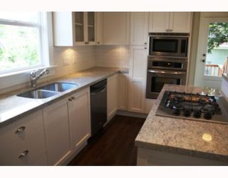 Photo 2: 2740 PANDORA Street in Vancouver: Hastings East House for sale (Vancouver East)  : MLS®# V738324