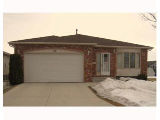 Photo 1: 39 CIRRUS Close in WINNIPEG: Maples / Tyndall Park Residential for sale (North West Winnipeg)  : MLS®# 2904649