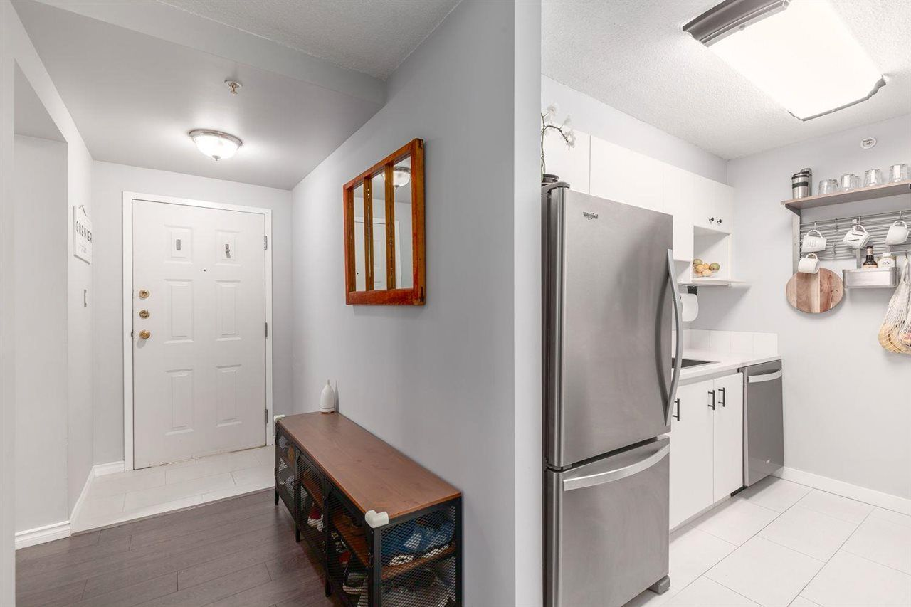 Photo 4: Photos: 408 720 CARNARVON Street in New Westminster: Downtown NW Condo for sale : MLS®# R2577780