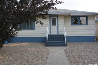 Photo 3: 118 3rd Avenue West in Gravelbourg: Residential for sale : MLS®# SK864838
