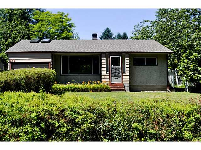 Main Photo: 929 CLARKE RD in Port Moody: College Park PM House for sale : MLS®# V1075461