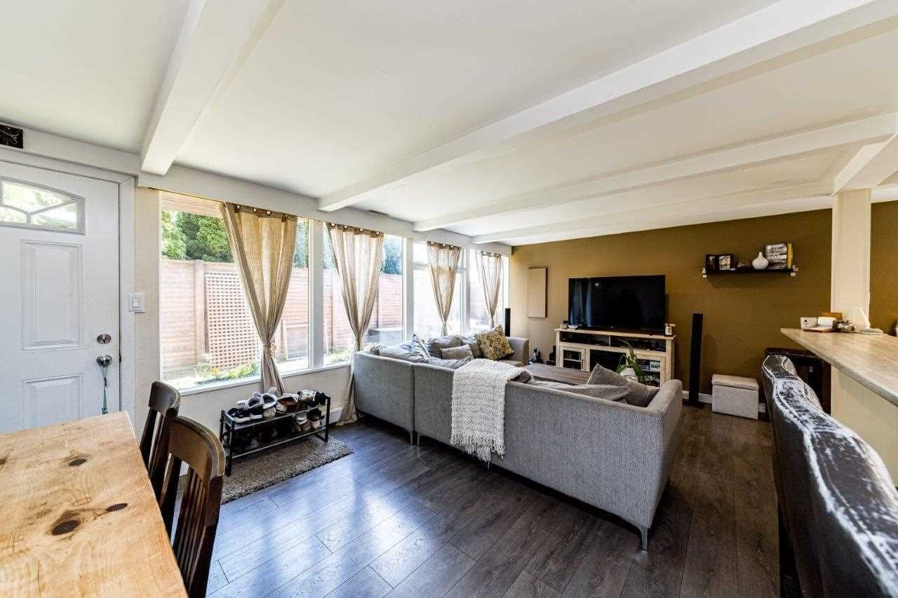 Main Photo: 1495 MOUNTAIN Highway in North Vancouver: Westlynn House for sale : MLS®# R2592266