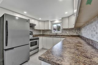 "Photo 6: 12 6280 KING GEORGE Boulevard in Surrey: Panorama Ridge Manufactured Home for sale in ""WHITE OAKS"" : MLS®# R2540288"
