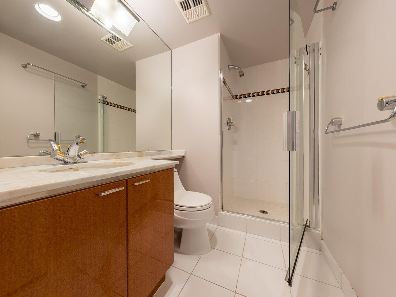 """Photo 9: Photos: 1202 1200 ALBERNI Street in Vancouver: West End VW Condo for sale in """"Palisades"""" (Vancouver West)  : MLS®# R2527140"""
