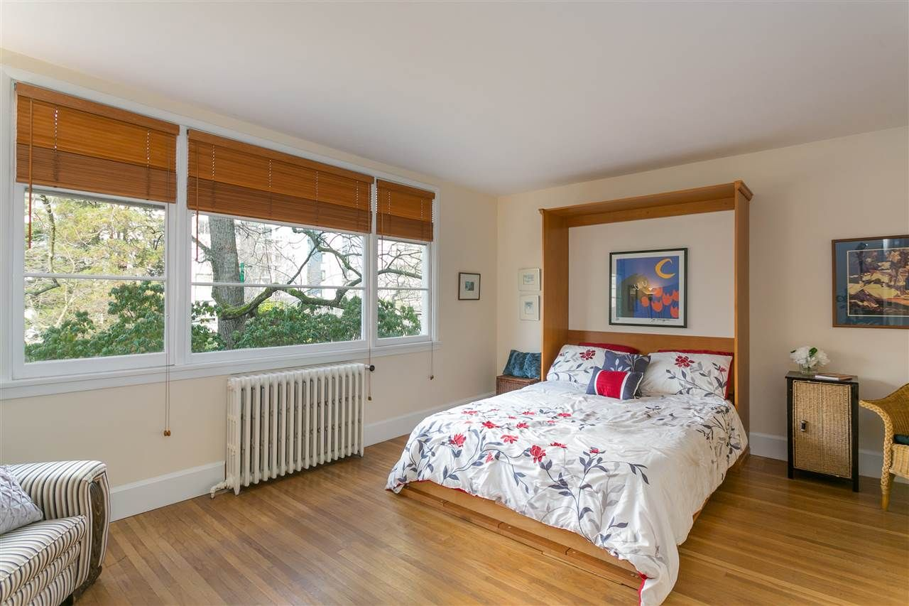 """Main Photo: 203 1565 BURNABY Street in Vancouver: West End VW Condo for sale in """"Seacrest Apartments Limited"""" (Vancouver West)  : MLS®# R2450199"""