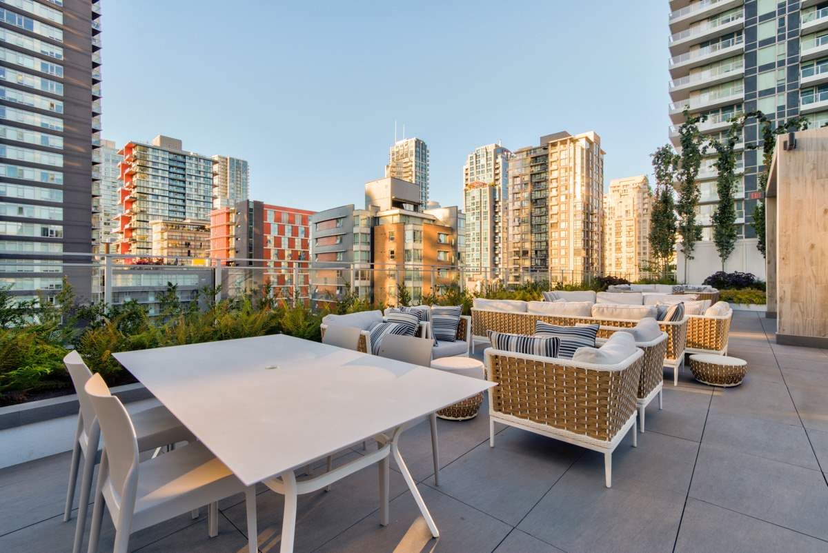 """Photo 22: Photos: 2001 499 PACIFIC Street in Vancouver: Yaletown Condo for sale in """"The Charleson"""" (Vancouver West)  : MLS®# R2456013"""