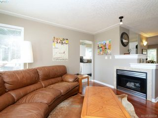 Photo 3: 4 300 Six Mile Rd in VICTORIA: VR Six Mile Row/Townhouse for sale (View Royal)  : MLS®# 796701