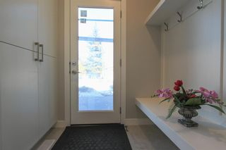 Photo 10: 2410 54 Avenue SW in Calgary: North Glenmore Park Semi Detached for sale : MLS®# A1082680