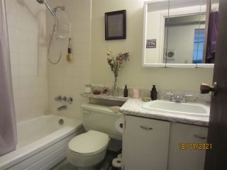 """Photo 8: 210 2330 MAPLE Street in Vancouver: Kitsilano Condo for sale in """"Maple Gardens"""" (Vancouver West)  : MLS®# R2566982"""